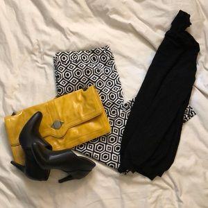 Ann Taylor capri pants. Size 14